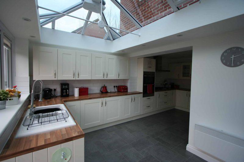 Orangery kitchen extension 002 test valley windows for Orangery extension kitchen